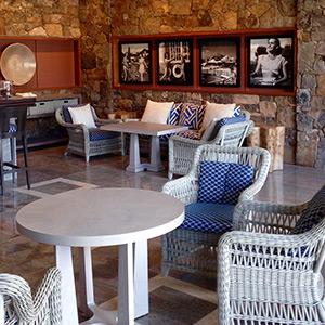 Delightful Poolside Cafe